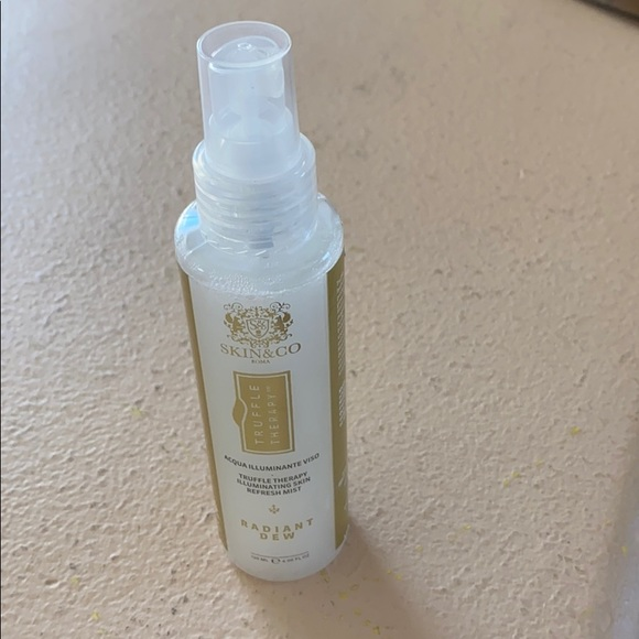 Skin & Co skin illuminating Mist